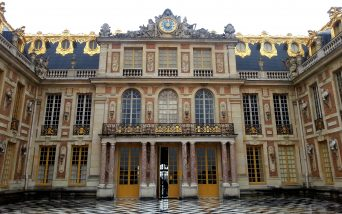 VERSAILLES CENTURY, THE BEGINNING