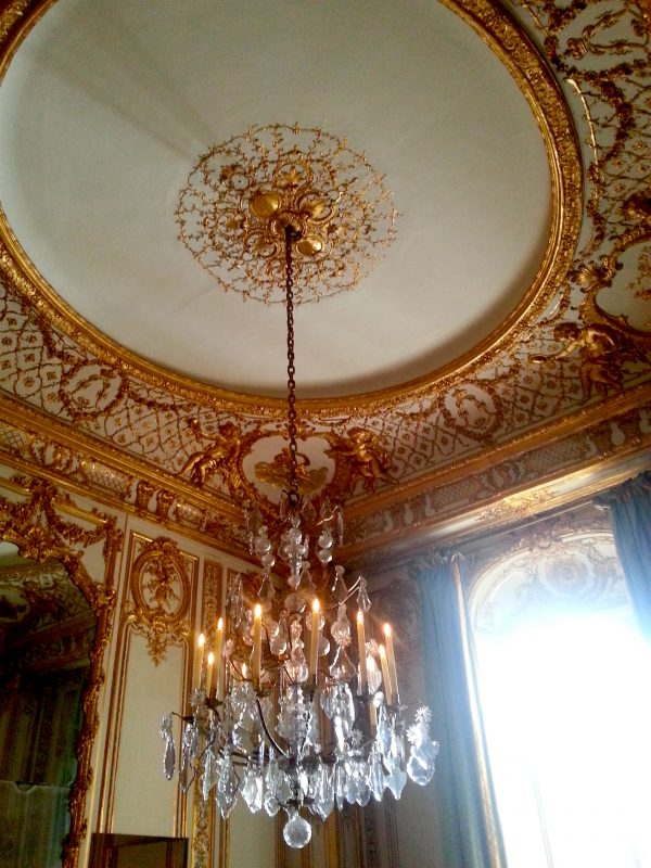 The ceiling of the nameless room.