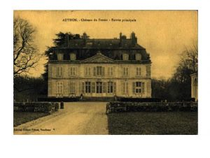 A vintage postcard of the Chateau du Fresne from Wiki Commons.