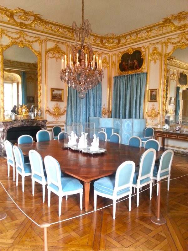 The dining room. I think the guide said the table dates from Louis XVI's reign.