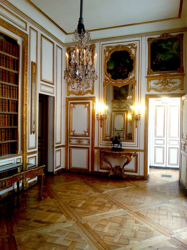 The inner study or dispatch room where Louis XV is said to have received his spies' reports.