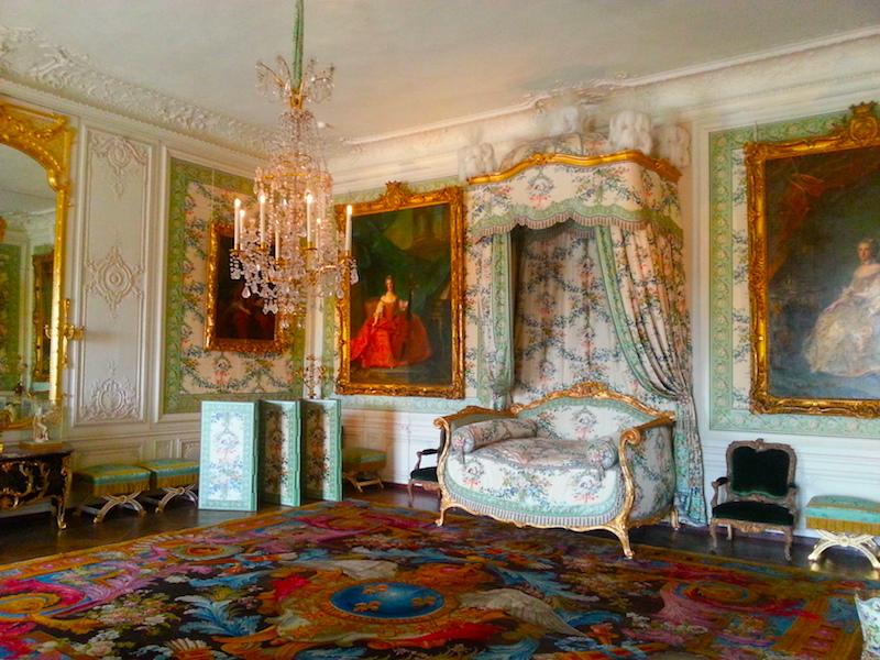 The Chambre.