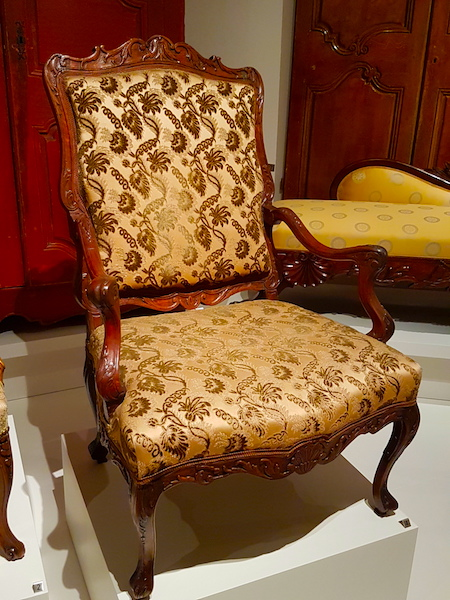 Another fauteuil from New France in the ROM.