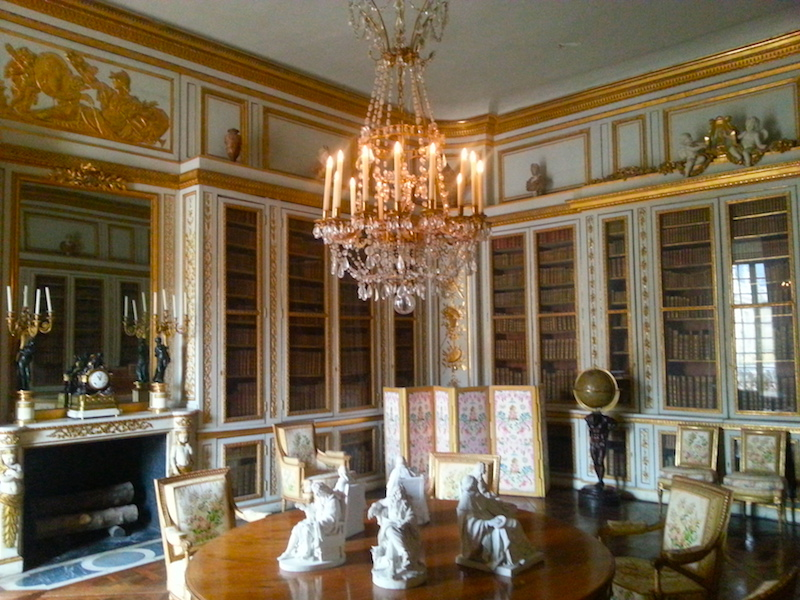 Another view of Louis XVI's library from the east door with the above-mentioned Sèvres statuettes slightly more foregrounded.