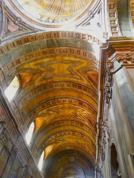 The vault of the Basilica da Estrela.