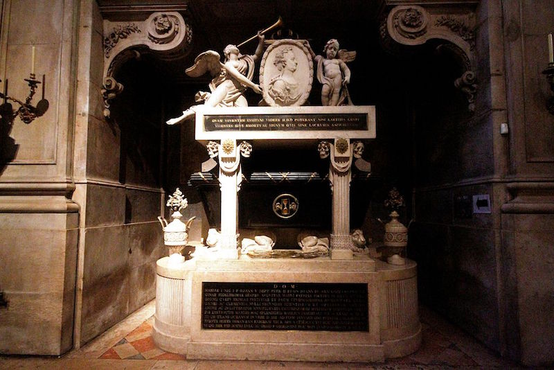 Tomb of Maria I in the Basilica da Estrela.